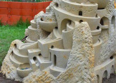 Murmelbahn-Skulptur