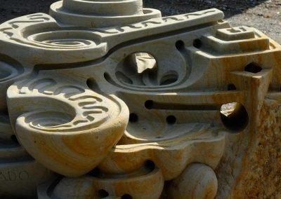 Skulptur zum murmeln geeignet