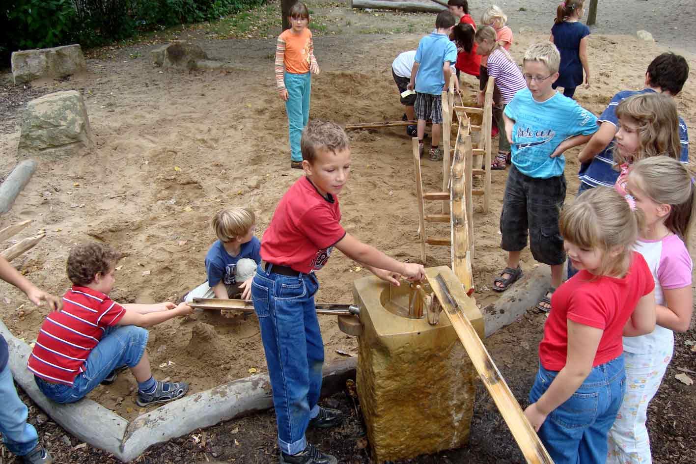 Wasserspiel Selber Bauen Kinder Wasserspiel Selber Bauen Selbstde